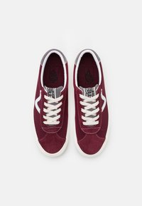 Vans - SPORT UNISEX - Sneaker low - port royale/marshmallow - 3