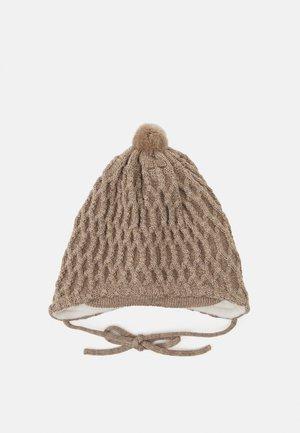 BABY TIE POM POM HAT UNISEX - Hat - hellbraun