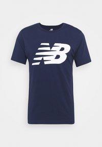 New Balance - Print T-shirt - dark blue - 0