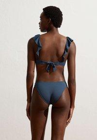 OYSHO - MIT VOLANTS  - Bikini-Top - blue - 3