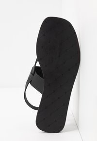 Shoe The Bear - TAO STRAP - T-bar sandals - black - 6