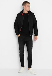 Selected Homme - SLHVICTOR CREW NECK - Stickad tröja - black - 1