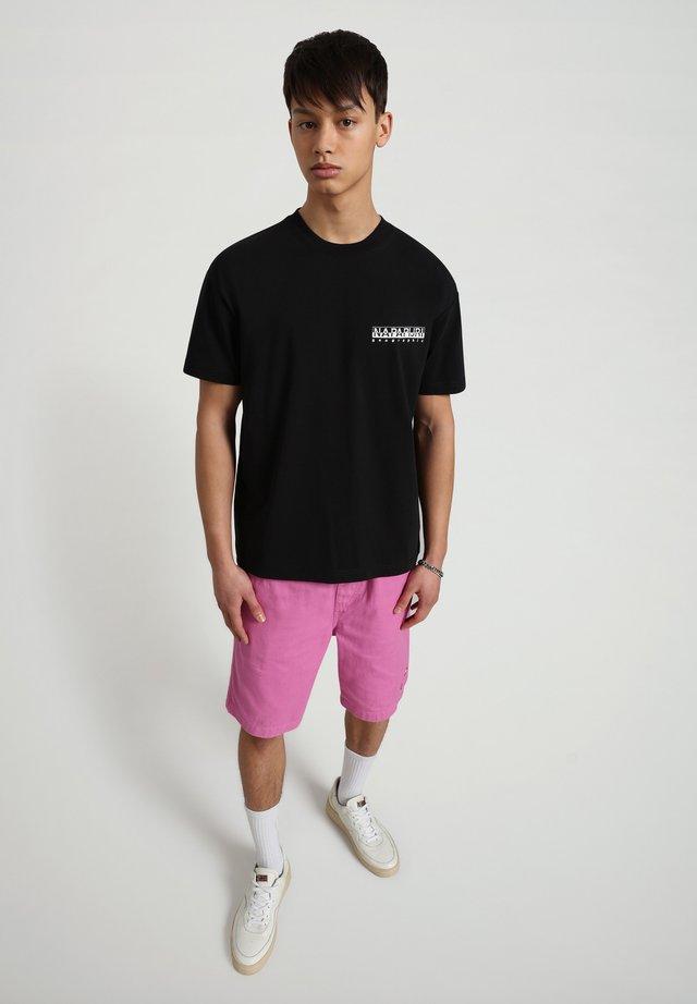 S-HAENA - T-shirt con stampa - black