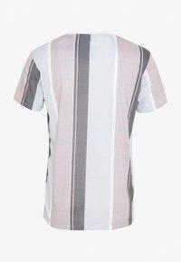 CLOSURE London - TEXTURED STRIPED TEE - Print T-shirt - pink - 1