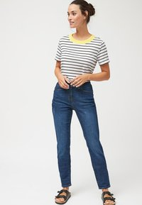 Next - RELAXED SKINNY JEANS - Slim fit jeans - blue - 1