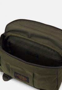 Filson - RIPSTOP COMPACT WAIST PACK UNISEX - Bum bag - surplusgreen - 2