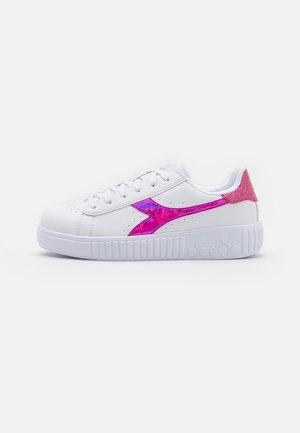 GAME STEP DIAMONDS  - Sportovní boty - white/fuchsia pink