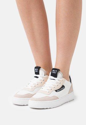 CARLA 3D - Sneakersy niskie - white/black