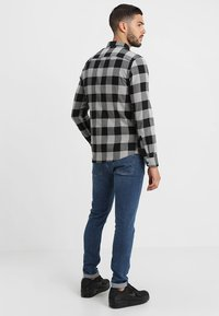 Only & Sons - ONSGUDMUND CHECKED - Shirt - griffin - 2