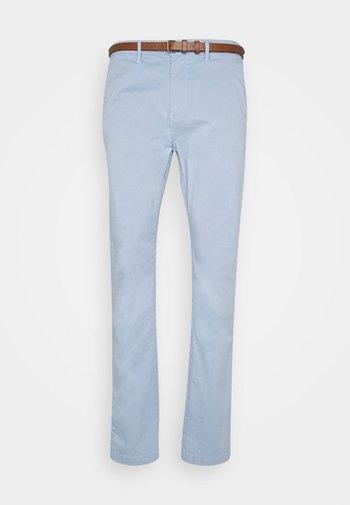 Chinot - parott blue