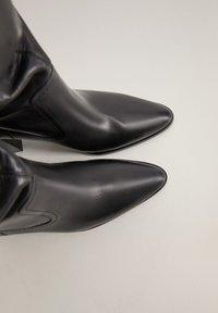 Mango - BOBY - Laarzen met hoge hak - schwarz - 1