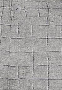 Cotton On - Chino kalhoty - grey - 4