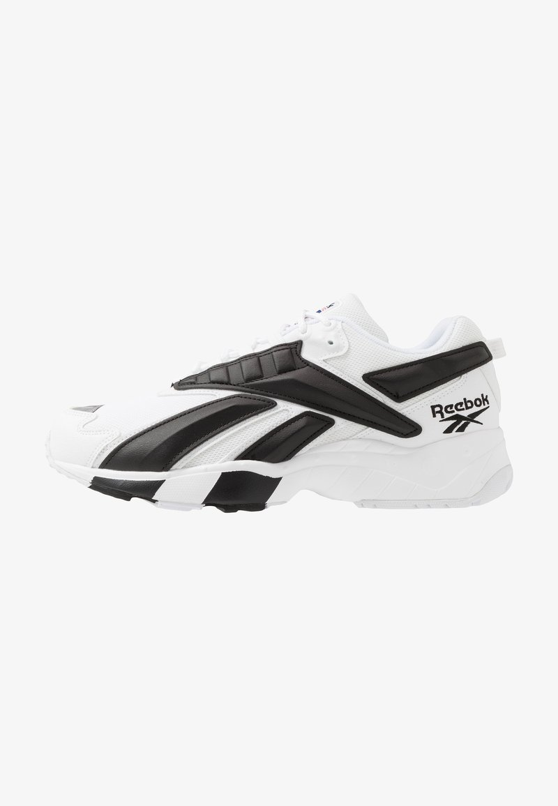 Reebok Classic - INTV 96 SHOES - Joggesko - white/black