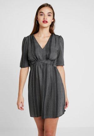 VMMIAMI SHORT DRESS - Hverdagskjoler - black