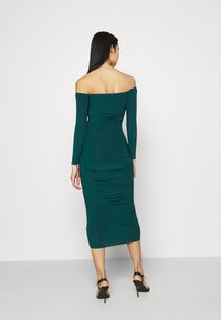 Missguided - BARDOT SLINKY RUCHED MIDAXI DRESS - Jerseykjole - deep green - 2