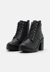 New Look - CALEY HEELED LACE UP - Šněrovací kotníkové boty - black - 2
