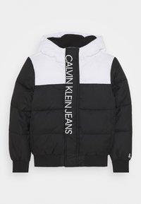 Calvin Klein Jeans - COLOUR BLOCK PUFFER JACKET - Winter jacket - black - 0