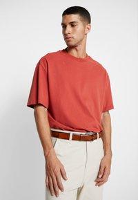 Calvin Klein - BOMBED BELT - Belt - brown - 1