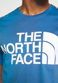 The North Face - STANDARD TEE - Print T-shirt - clear lake blue - 5