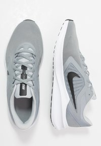 Nike Performance - DOWNSHIFTER 10 - Zapatillas de running neutras - particle grey/black/grey fog/white - 1