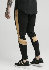 SIKSILK - SCOPE PANEL  - Tracksuit bottoms - black/gold - 2