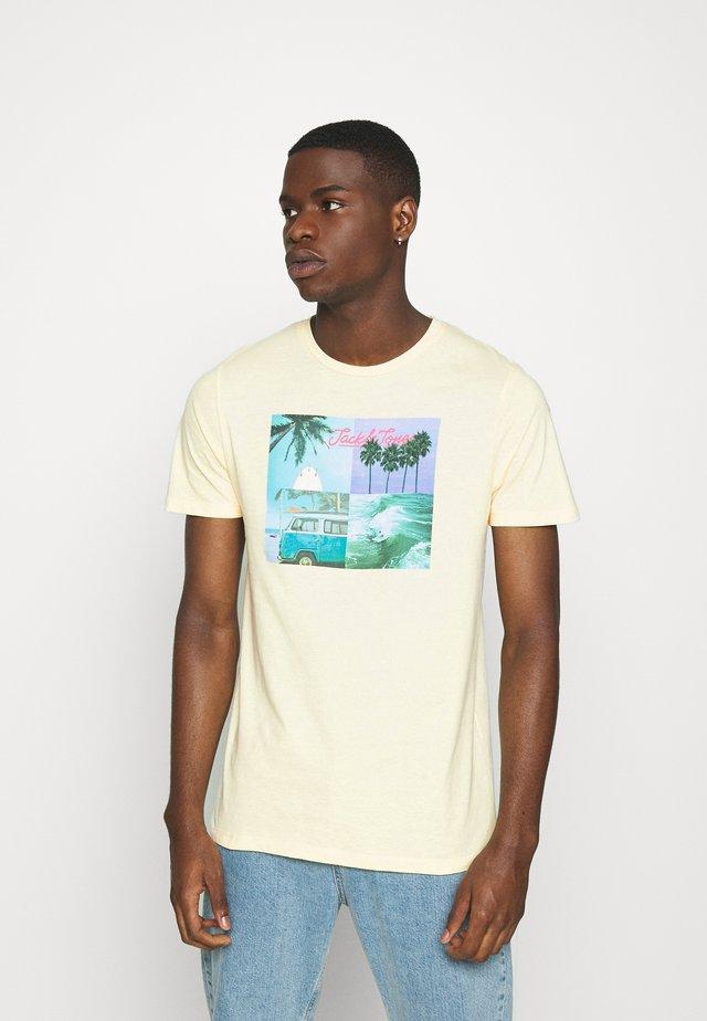 JORSUITE TEE CREW NECK - T-Shirt print - flan