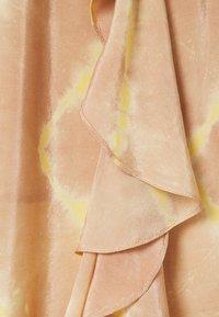 maje - JITYE - Zavinovací sukně - nude - 5