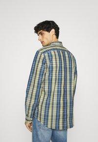 Ben Sherman - POP TARTAN CHECK - Overhemd - mood indigo - 2