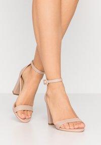 Rubi Shoes by Cotton On - SAN LUIS - Sandaler med høye hæler - pale taupe - 0