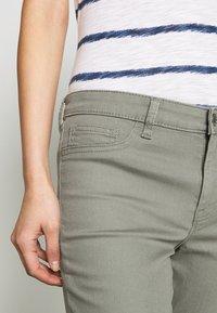 GAP - FAVORITE RINSE - Jeans Skinny Fit - vintage palm - 4