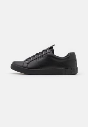 SHEBA - Zapatillas - black