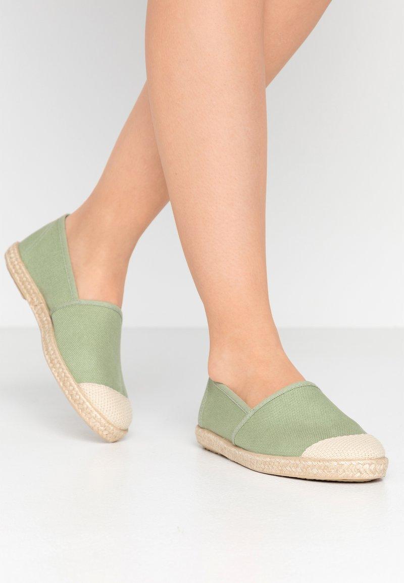Grand Step Shoes - EVITA PLAIN PARIS - Espadrilles - mint