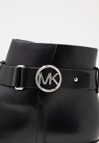 MICHAEL Michael Kors - HARLAND - Boots à talons - black - 2