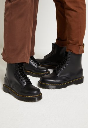 1460 BEX 8 EYE BOOT UNISEX - Snørestøvletter - black smooth
