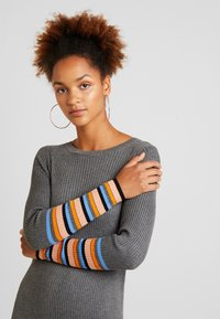 Vila - VIHELENI STRIPE DRESS - Jumper dress - medium grey melange/ultramarine - 4