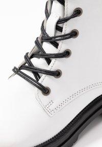 MJUS - Platform boots - bianco - 2