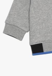 BOSS Kidswear - Sweatshirt - gris chine - 2
