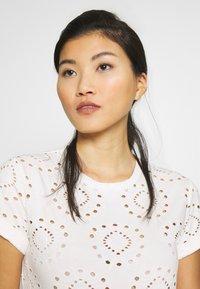Anna Field - T-shirts med print - white - 3