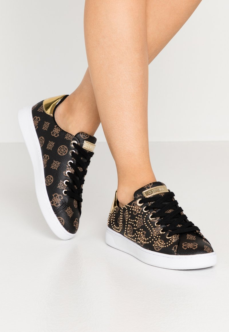 Guess - RAZZ - Zapatillas - brown/ocra