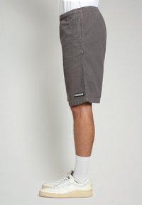 Napapijri - Shorts - grey gargoyle - 2