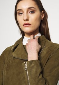 Pedro del Hierro - JACQUET - Leather jacket - green - 3