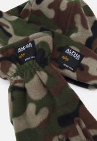 Alpha Industries - LABEL BEANIE AND GLOVE SET UNISEX - Pipo - woodland - 3
