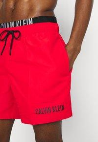 Calvin Klein Swimwear - INTENSE POWER MEDIUM DOUBLE - Swimming shorts - fierce red - 3