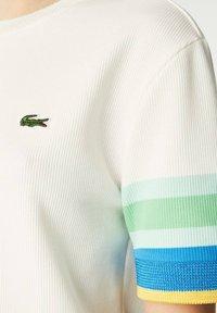 Lacoste - Print T-shirt - weiß / gelb / blau / türkis / grün - 3