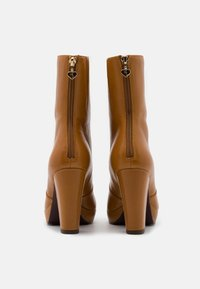 Tamaris Heart & Sole - BOOTS  - Kotníková obuv na vysokém podpatku - mustard - 3