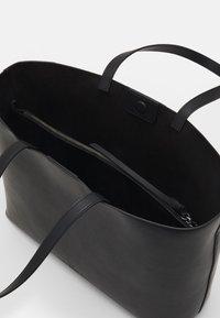 WEEKEND MaxMara - LEGGE - Tote bag - nero - 2