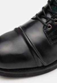Scotch & Soda - COLTAN - Lace-up ankle boots - black - 5