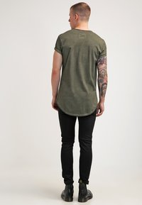 Tigha - MILO - T-shirt - bas - vintage olive - 2
