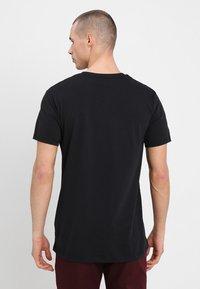 Mads Nørgaard - FAVORITE THOR - Basic T-shirt - black - 2