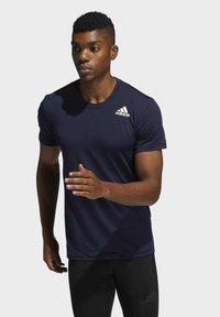 adidas Performance - TURF SS PRIMEGREEN TECHFIT TRAINING WORKOUT COMPRESSION T-SHIRT - Print T-shirt - blue - 0